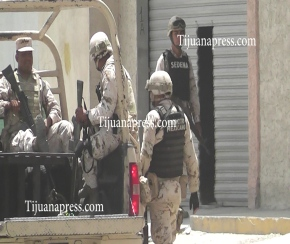militares custodian bodega con narcotunel